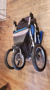 poussette PLIABLE - baby stroller FOLDABLE - Safety First