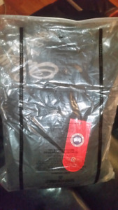 Men's - XL Canada Goose Winter/Fall vest (fits like Large)