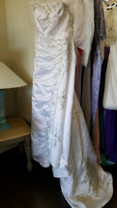 Brand new A-line wedding gown/dress
