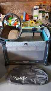 Graco Pack n' Play with Change table with mobile