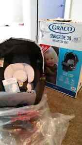 Snugride 30 infant carseat by Graco