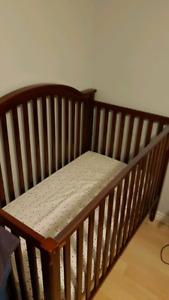 Crib/Toddler bed & mattress