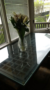 NICE IKEA GLASS TABLE AND CHAIRS