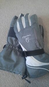 Ladies Head Ski Gloves. Cambridge Kitchener Area image 2