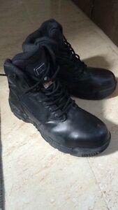 Men's size 10 black steel toe boots