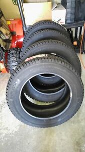 NEW - 4 X Continental Winter Contact SI Tires (215/60R16)