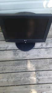 TV LG LCD 22 inch no remote