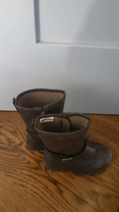 Girls riding boots size 8