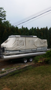 24 Foot  SWEETWATER PONTOON BOAT