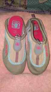 2 just X $15 Shoes for Girl. Size 2 Kitchener / Waterloo Kitchener Area image 5