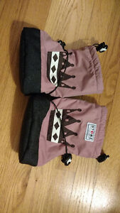 Stonz booties - size large
