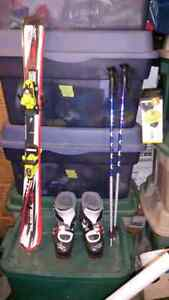 "Small child / youth skis 100cm boots 241mm and 32"" poles"