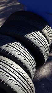 4 PNEUS D'ÉTÉ TOYO, 4 Toyo Summer Tires. P215/70R15