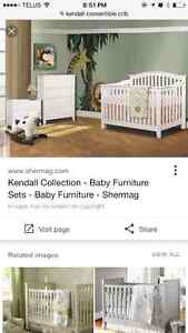 White kendall 3 in 1 crib!