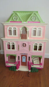 Grand Dollhouse