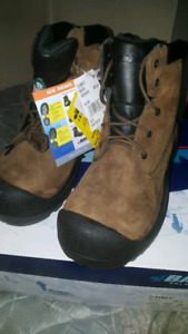 BRAND NEW INDUSTRIAL BOOTS