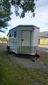 2012 Sundowner 2 Horse Trailer