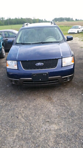 2006 FORD FREESTYLE MINT CONDITION!!!