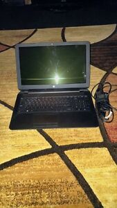 WINDOWS 10 HP LAPTOP FOR SALE INCLUDES CHARGER