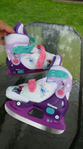 Patin a glace ajustable fille gr 8 a 11