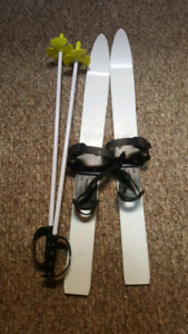 Little kids  ski and poles.  Used 3 times.