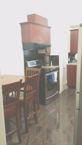$420 ROOM FULLY FURNISHED DOWTOWN AVAILABLE MAY