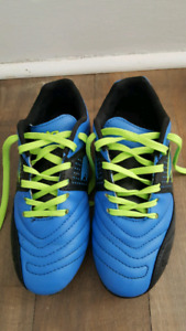 Lotto youth soccer cleats