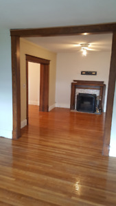 Renovated Apartments in Century Home near Pen