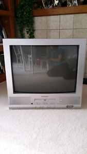 "20"" Magnasonic TV with Built-in DVD Player"