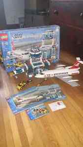 Lego 7894 City Airport Terminal Airplane 2006