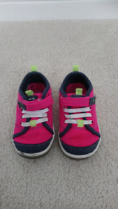 Size 5.5 Toddler Stride Rite Shoes