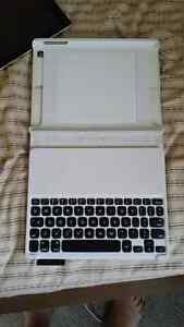 Apple Ipad 16GB with bluetooth keyboard