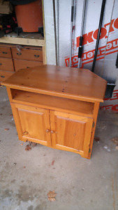 Pine Corner TV Stand/Shelf in great shape selling for only $35