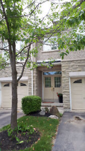 $2450  - Executive townhouse in Mississauga - 3 bedroom,  2061ft