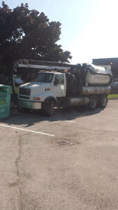 Vacuum truck Ford LT8513 1997 with Vactor 2100