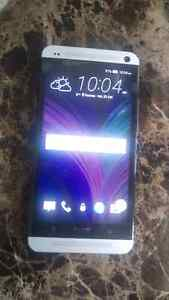 Selling my 1 year old unlocked htc one m7 for cheap $200