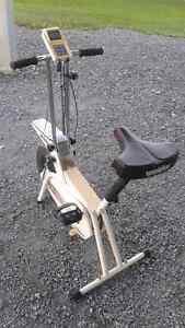 À donner Vélo  Stationnaire à St - Georges