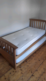 Folding bed, king+ size, immaculate mattresses and protectirs