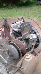 Engine with clutch single cylinder