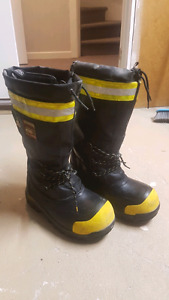 Dakota winter work boots. -100 rating. Size 10