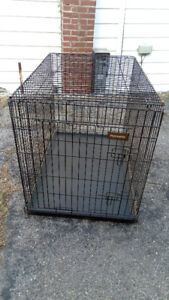 Portable PET MATE Dog Kennel in excellent condition