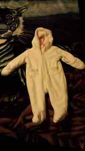 White fleece winter baby suit 6-12 months
