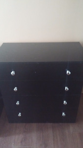 Black dresser/endtable set
