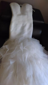Beautiful Size 4-6 ivory wedding dress