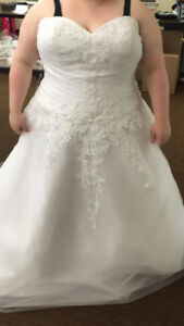 REDUCED!!! Beautiful Callista Wedding Gown