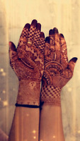 Hena Artist Available for occasions