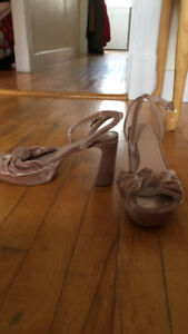Great Condition Size 8 High Heels