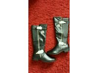 Reduced Women's MK boots uk7 brand new in the box