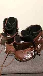 Men's size 8 snowboard boots