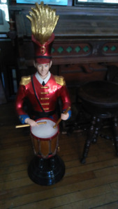 DRUMMER BOY- BEAUTIFUL DETAIL- PERFECT FOR HIGH END CHILDRENS RO